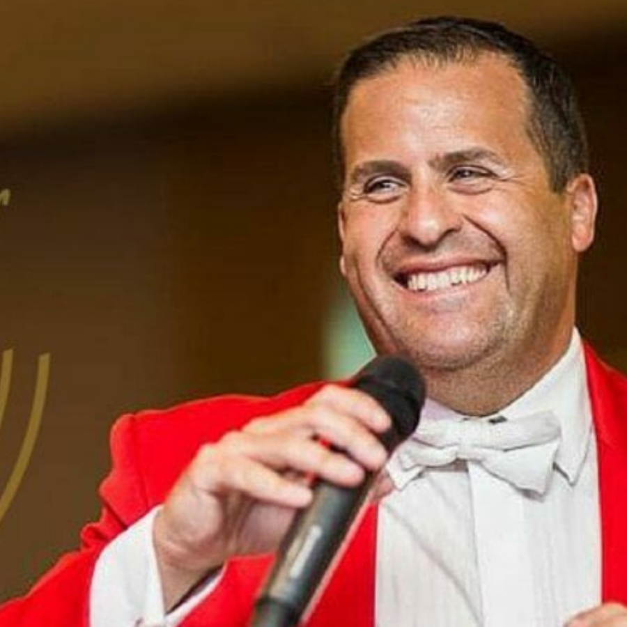 The Complete Toastmaster, Featured Image, Glenfall House, COtswold Wedding Venue
